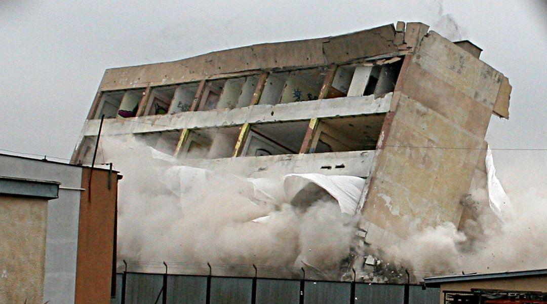Wyburzenie budynku biurowca – Skarżysko Kamienna