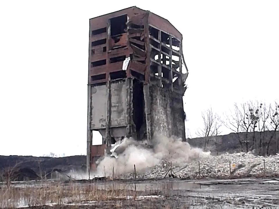 Wyburzenie budynku weglowni