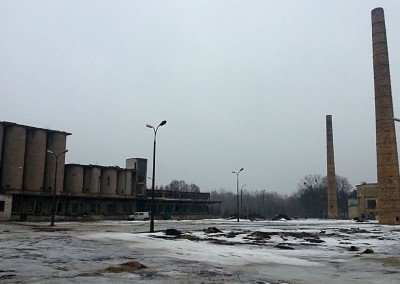 Plac rozbiórki zimą