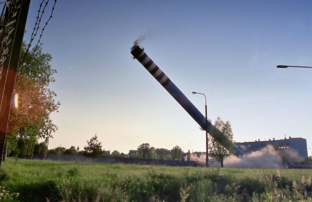 Wyburzenie żelbetowego komina – Słupsk