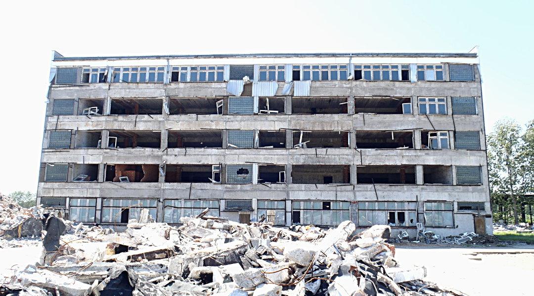 Wyburzenie budynku socjalnego – Nisko