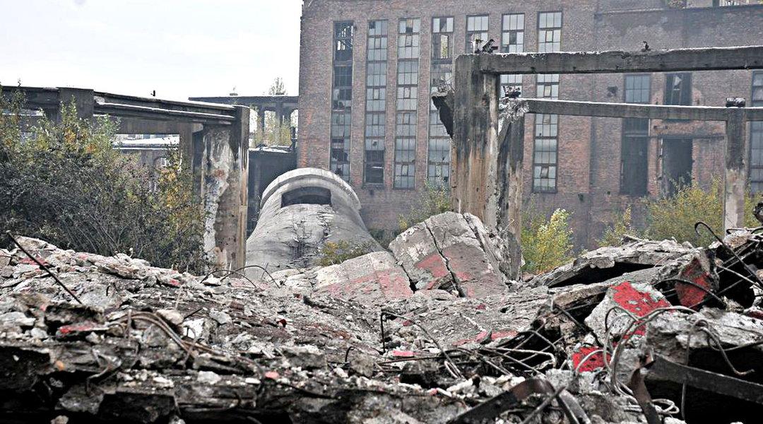 Wyburzenie komina na terenie Huty Kościuszko – Chorzów