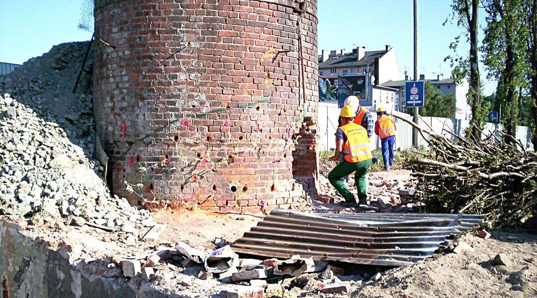 Wyburzenie ceglanego komina – Bydgoszcz