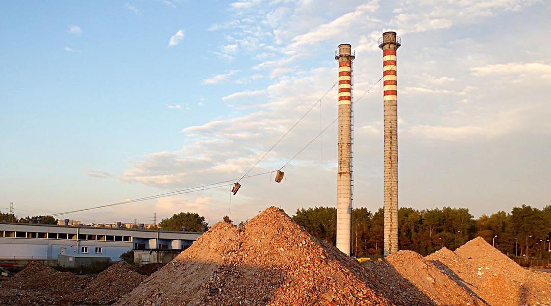 Wyburzenie 2 kominów h=40 m – Trzebina