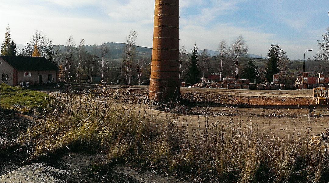 Wyburzenie ceglanego komina – Stróże