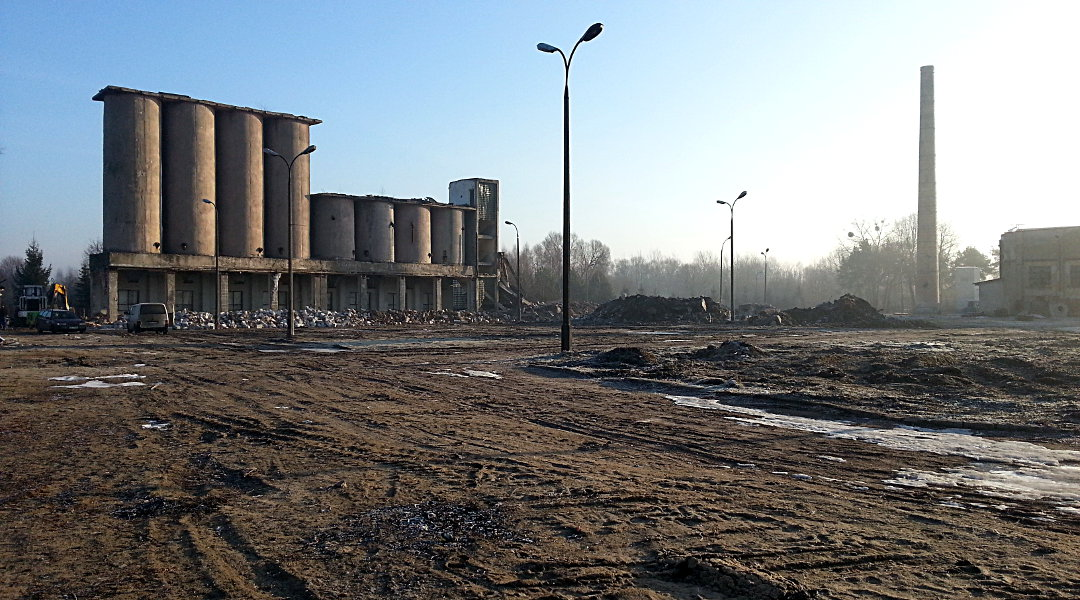 Wyburzenie silosów oraz dwóch kominów – Ruda Huta