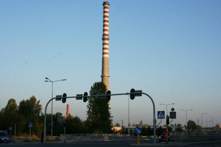 Rozbiórka żelbetowego komina h=140m w Łodzi