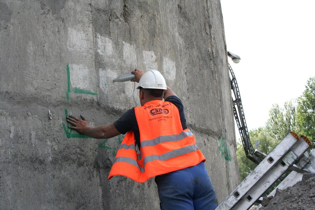 Komin-Łódź-testy-betonu